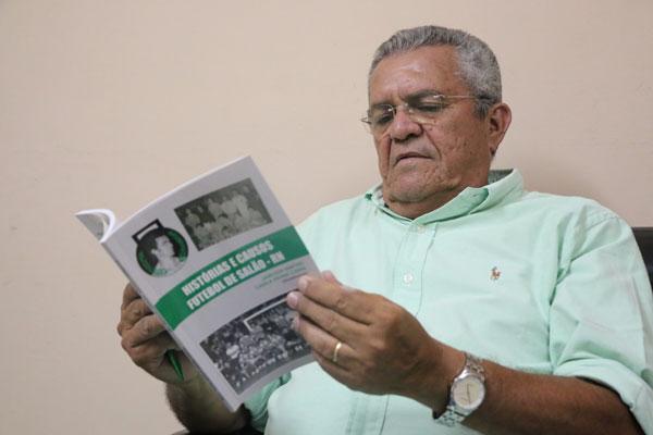 O autor, Jamílson Martins, lançará a obra terça-feira na AABB