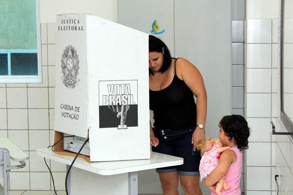Para consulta, eleitor deve usar o nome ou número do título
