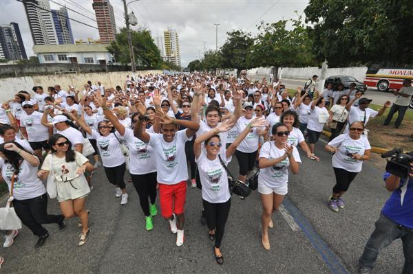 Doadores, transplantados e familiares participam de caminhada na manhã deste sábado (27) em Natal