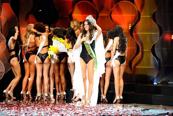 Miss Ceará desbanca 26 concorrente e ganha a coroa