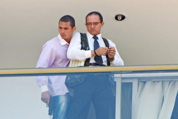 Homem armado foi identificado como Jack Souza dos Santos, de 30 anos