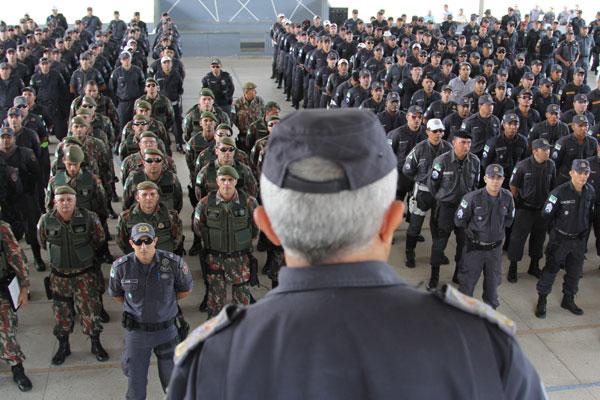 Policiais Militares receberam as últimas orientações na manhã de ontem, antes do embarque para o interior do Rio Grande do Norte
