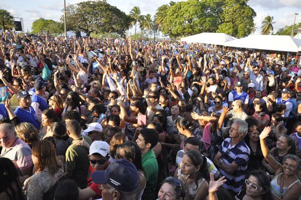 Ao longo do dia de ontem (3), feriado dedicado aos mártires de Cunhaú e Uruaçu, o santuário em São Gonçalo do Amarante recebeu fiéis de boa parte do Estado e de fora do Rio Grande do Norte