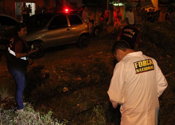Legistas do Itep e da Força Nacional iniciaram remoção do corpo 40 minutos após o acidente