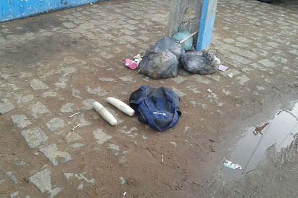 Bananas de dinamite foram abandonadas pelos criminosos em frente ao banco