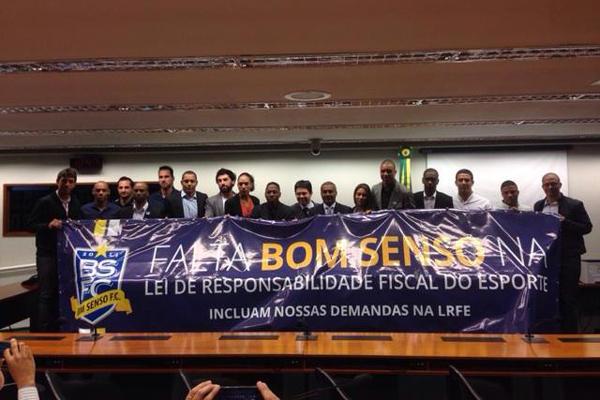 Representantes do Bom Senso FC divulgaram carta aberta aos candidatos à Presidência da República nesta terça-feira (21)