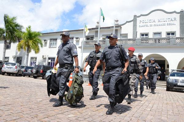 Decreto que assegura promoção de policiais e bombeiros militares foi publicado nesta terça-feira no DOE