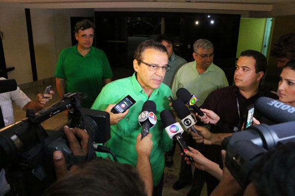 Após o anúncio do resultado pela Justiça Eleitoral, Henrique Alves faz pronunciamento