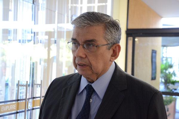 Após entregar o cargo, Garibaldi Filho espera decisão da presidenta