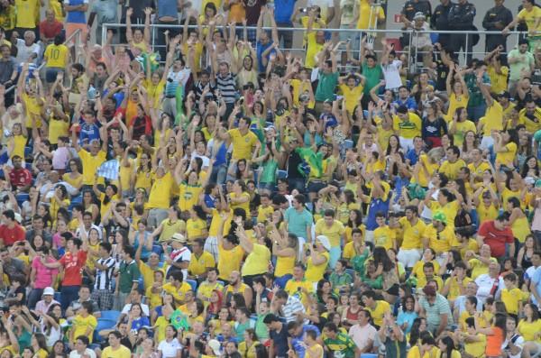 A Argentina ainda teve tempo de empatar o jogo. Mais uma vez, Fuertes aproveitou uma bobeira da defesa brasileira e empatou o jogo, fechando o placar na Arena