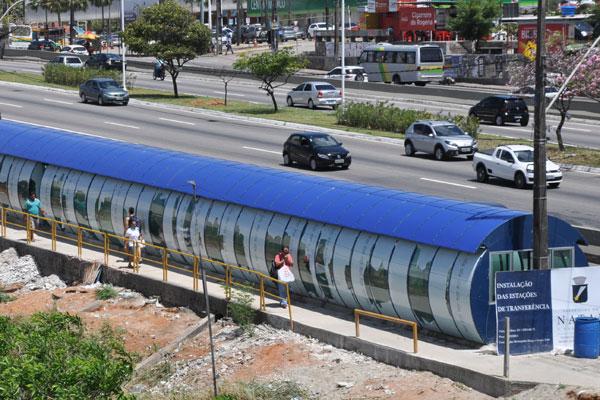 Estrutura da Estação de Transferência na marginal da BR-101 está em fase acabamento. Obra deve ser concluída já para utilização em dezembro próximo, como prevê STTU