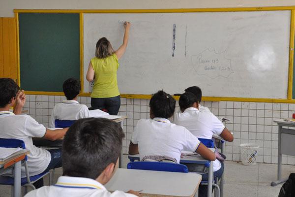 Segundo Prova Brasil, 40% estão com conhecimento adequado em português e 35% em matemática
