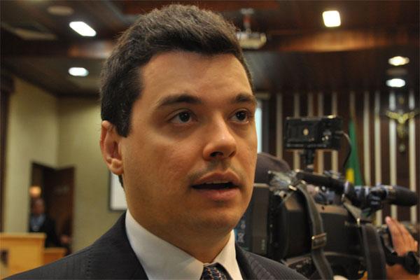 Walter Alves destaca benefícios do projeto de lei aprovado