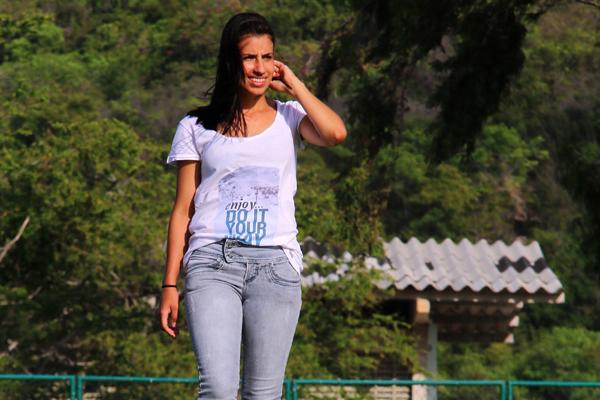 A ex-jogadora paulista Bruna Sales tenta ser auxiliar no RN