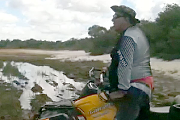 Vídeo em que ex-deputado aparece fazendo trilhas em quadriciclo circulou nas redes sociais