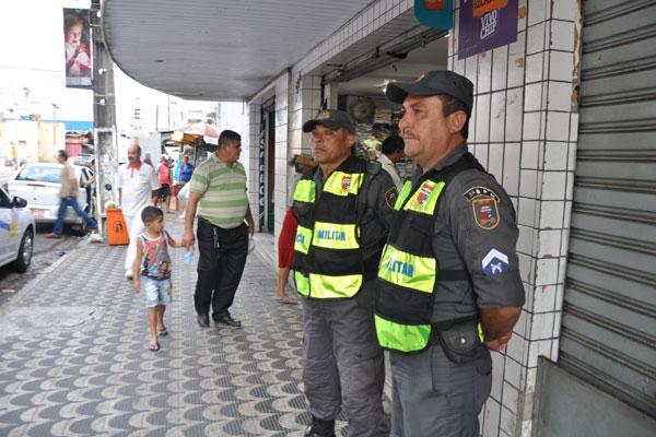 No Alecrim a presença dos policiais surpreendeu população que assiste a assaltos diariamente