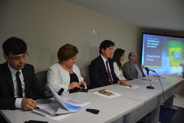 Robinson Faria reúne o secretariado para discutir a situação fiscal do governo do Estado e medidas contra a crise