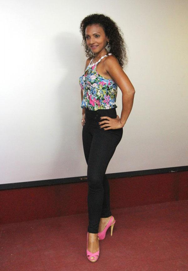Jacqueline Castilho, de 41 anos, é a candidata mais velha entre as seis que disputam o posto