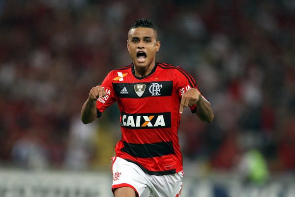 O meia Éverton vem sendo o grande nome do Flamengo no ano