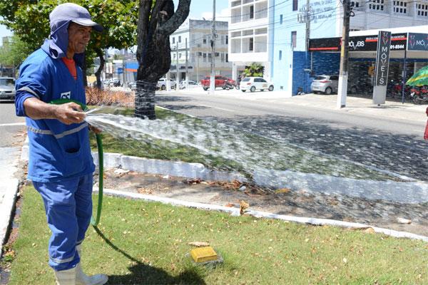 Natal: o desperdício de água é alto e ajuda a aumentar consumo