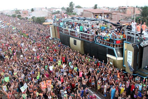 Macau recebe cerca de 300 mil visitantes no carnaval. Para atender a demanda, Caern vai ampliar a oferta de água em 3.528 m³/dia