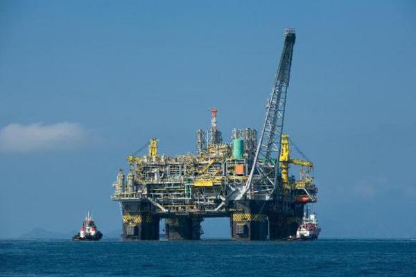 Ações da Petrobras chegaram a cair mais de 10% nesta quarta-feira