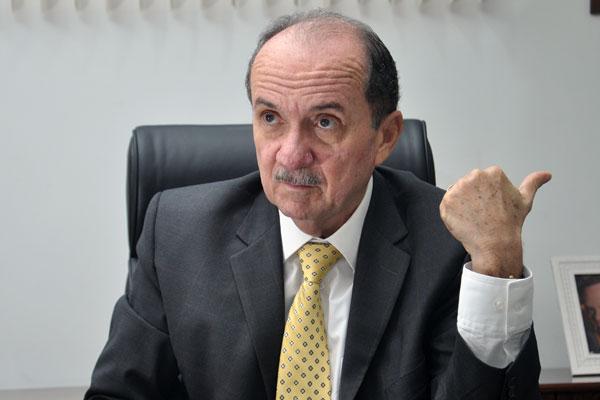 Desembargador Claudio Santos retomou presidência ontem