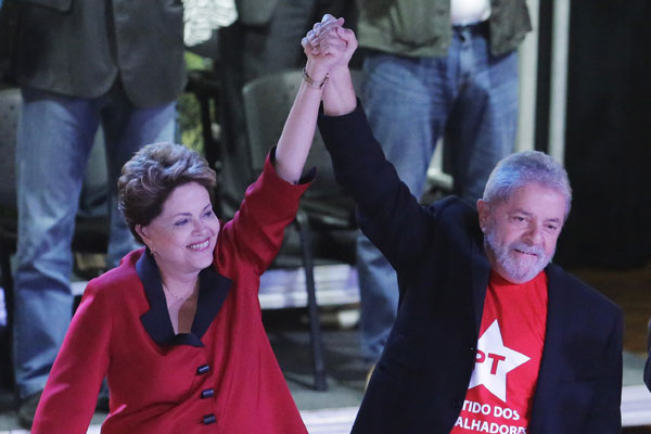 Dilma e Lula teriam discordado sobre postura da presidente com relação à Petrobras