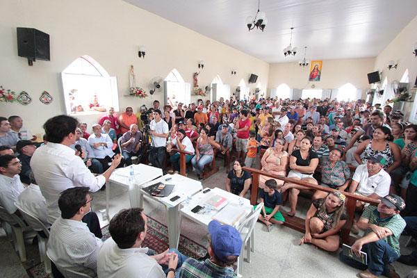 Reunião aconteceu na comunidade de Barra de Santana com a presença de autoridades e moradores