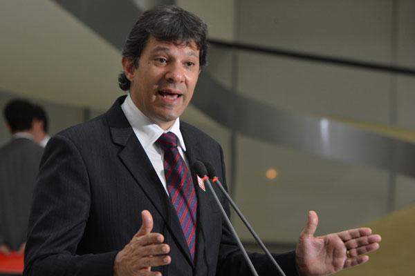 Prefeito Fernando Haddad reclama da falta de informações sobre medidas para economizar água