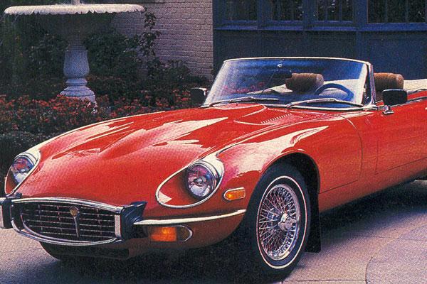 Divulgação O Automóvel Antigo Jaguar E Type, Ano Modelo 1972, é Uma U201c