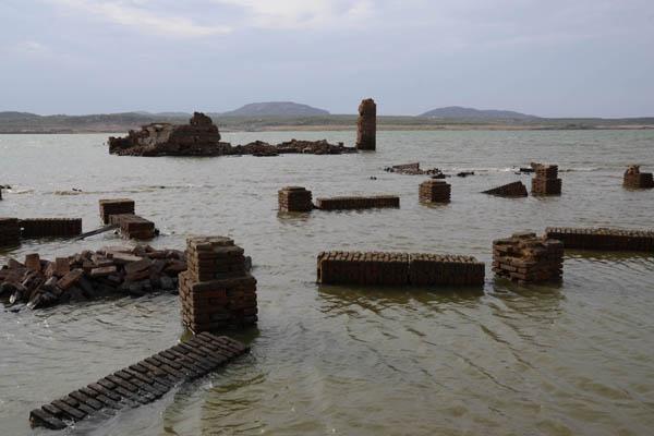Resultado de imagem para fotos da barragem armando ribeiro atualmente