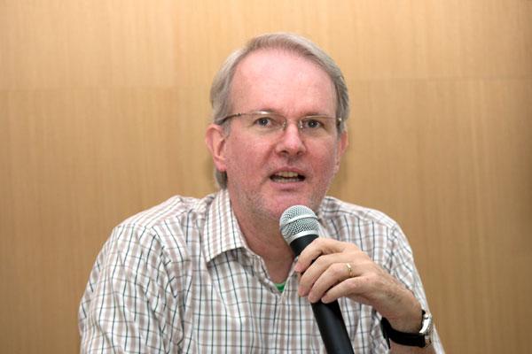 Adalberto Moreira Cardoso - Sociólogo
