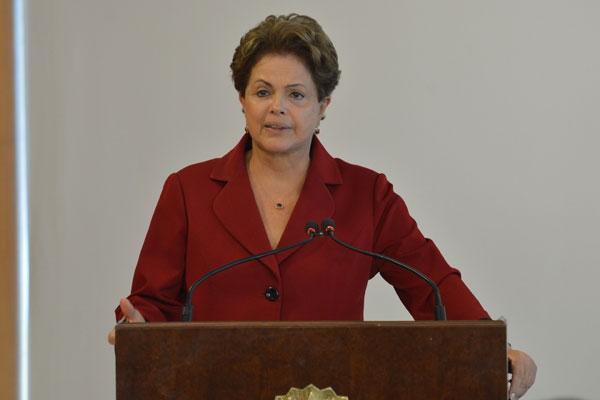Presidente Dilma anunciou correção da tabela do IR nesta sexta-feira