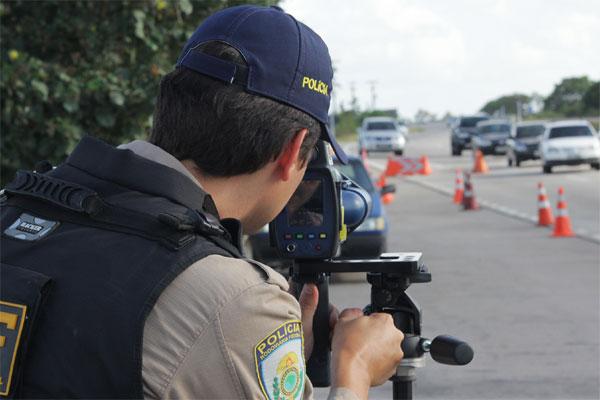 PRF vai fiscalizar rodovias federais de todo o país durante feriado