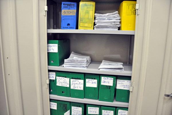 Em uma empresas visitadas pela Tribuna do Norte, há armário exclusivo para guardar atestados