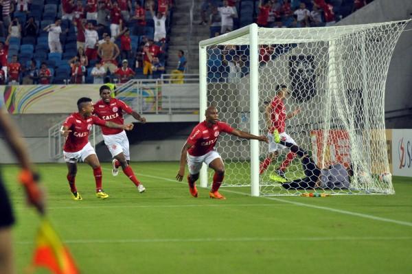 Flávio Boaventura foi o autor do segundo gol para o time alvirrubro