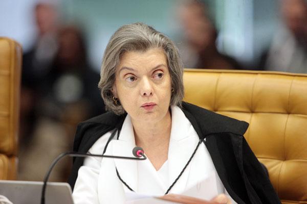 No STF, o caso foi distribuído para a ministra Cármem Lúcia, que vai decidir se aceita ou não o pedido de inquérito contra Agripino