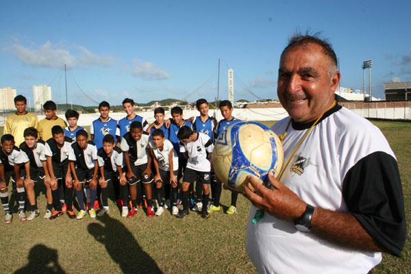 Escolinha de futebol do ABC inicia temporada
