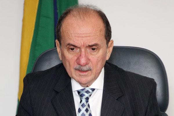 Claudio Santos: Caos à vista