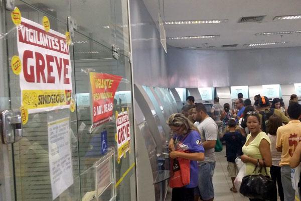 Adriano Abreu No Banco do Brasil, atendimento interno foi suspenso por