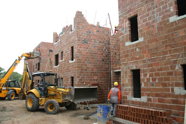 """Construção de empreendimento do """"Minha Casa"""": Problema estaria se arrastando desde 2014"""