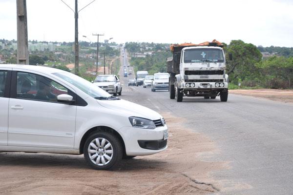 Com a duplicação da BR-406 incompleta, os congestionamentos e acidentes nesse trecho, considerado o mais perigoso, são frequentes