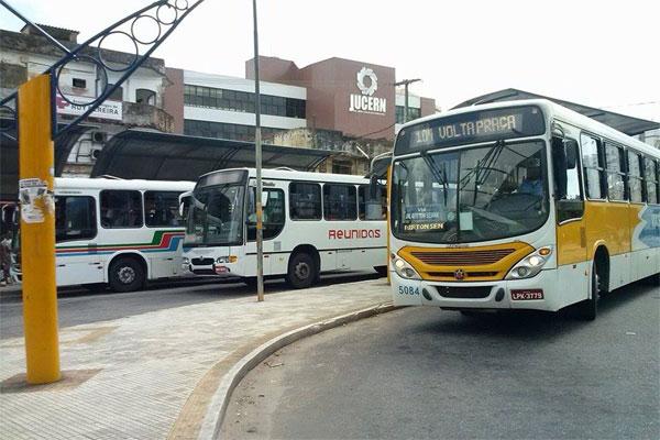 Sintro afirma que motoristas devem recolher ônibus em caso de novos atentados