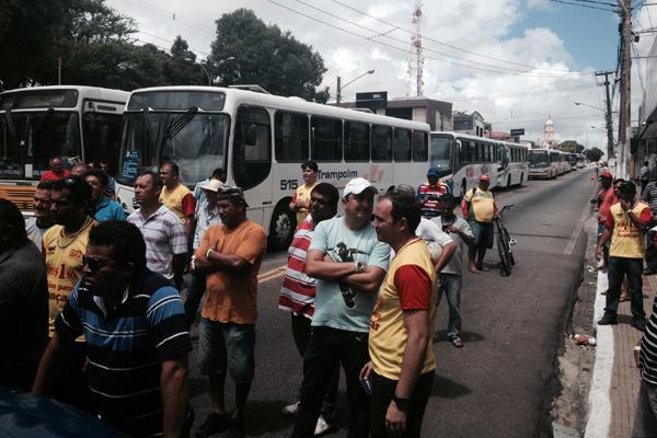Rodoviários pararam os veículos no canal do Baldo, zona Leste da cidade; protesto foi finalizado por volta das 10h20
