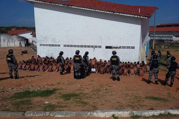 Membros da Força Nacional estão atuando para a reorganização dentro do presídio de Alcaçuz