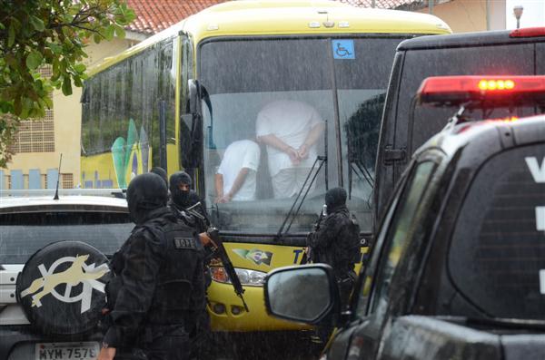 Ônibus com destino à Mossoró saiu de Alcaçuz às 10h deste sábado