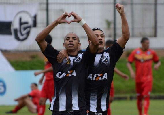 Reginaldo marcou o primeiro gol do ABC