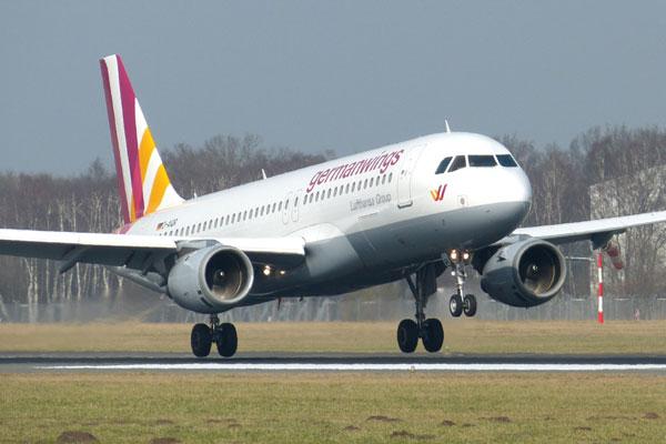 Avião da Germanwings caiu nos Alpes franceses, enquanto seguia entre de Barcelona (ESP) para Dusseldorf (ALE)