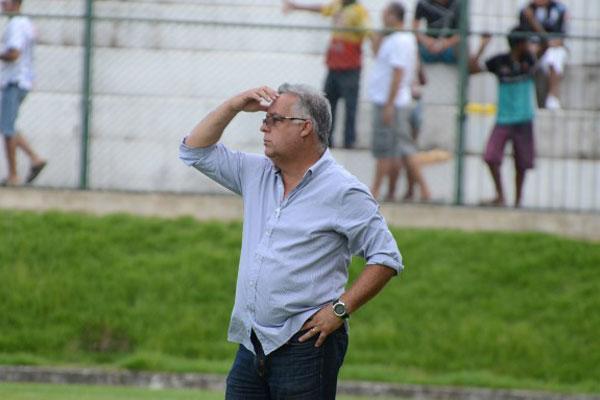 Técnico Josué Teixeira estreou com vitória no comando do ABC